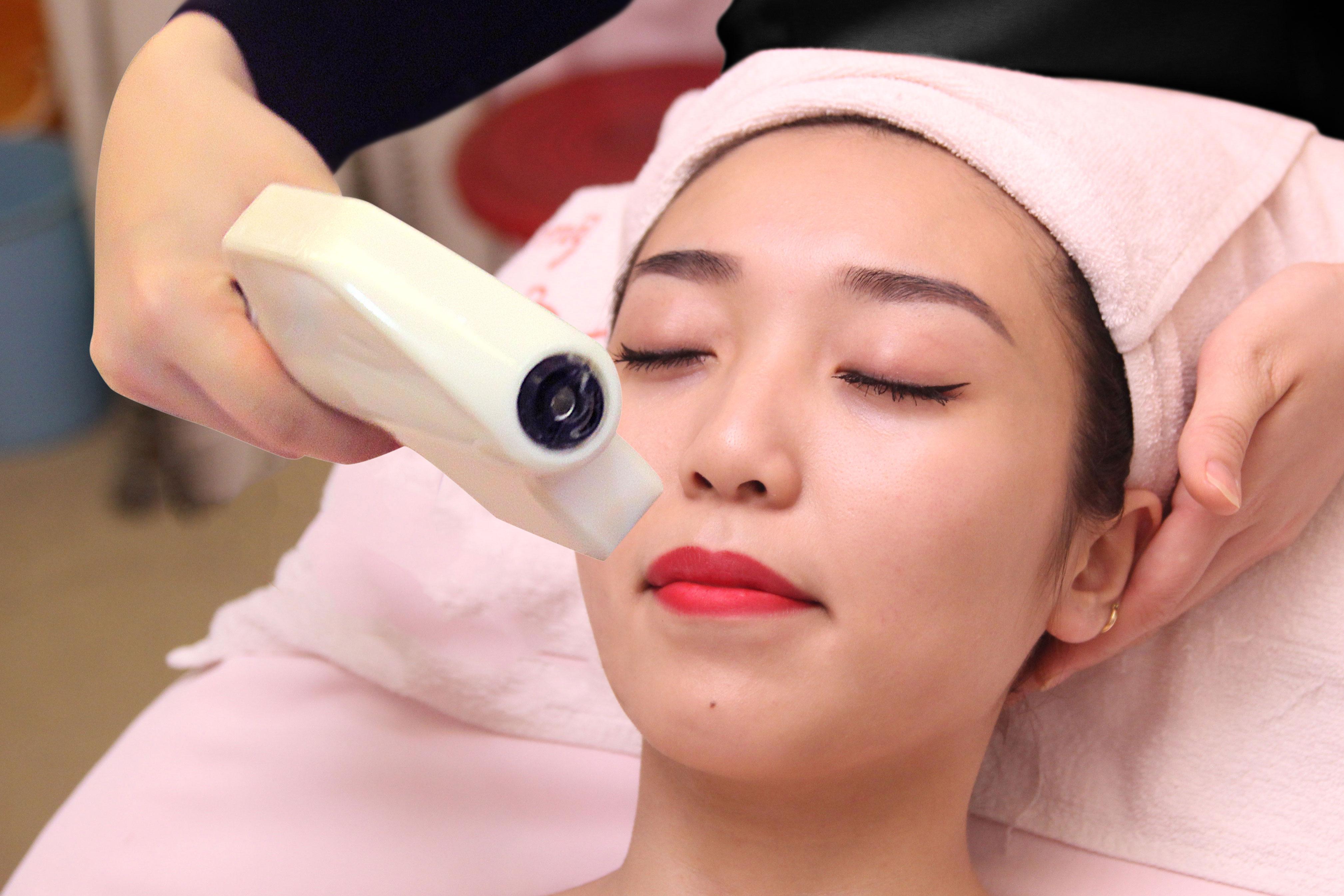 The Record 618 triệt lông mọi vùng trên cơ thể, kể cả những vùng da nhạy cảm như mặt, ria mép