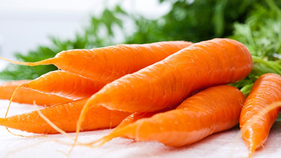 Cách trị mụn ở cằm hiệu quả nhất từ cà rốt