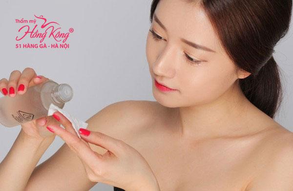 Nước hoa hồng giúp làn da thẩm thấu kem tốt hơn