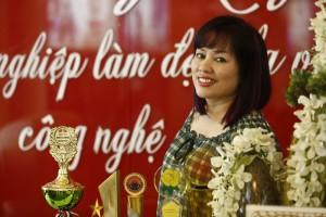 """Chuyên gia thẩm mỹ Tô Thị Phượng được mệnh danh là """"Bàn Tay Vàng"""" trong ngành thẩm mỹ và làm đẹp ở Việt Nam"""