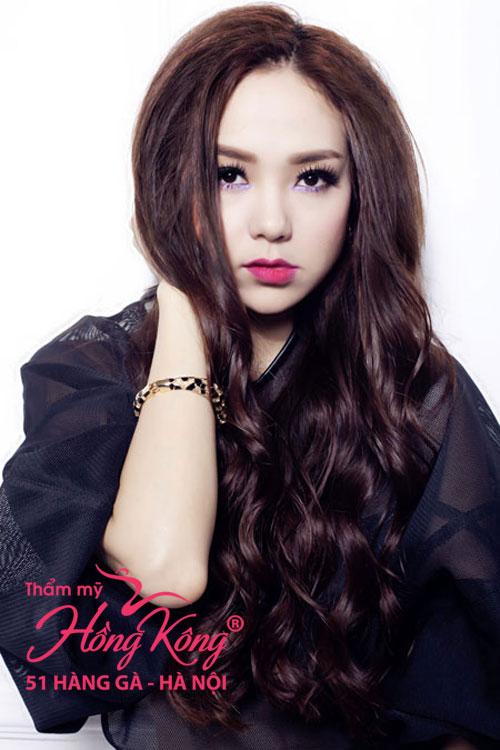 Đôi môi trái tim của Minh Hằng cũng được xem là chuẩn mực đẹp của phụ nữ phương Đông