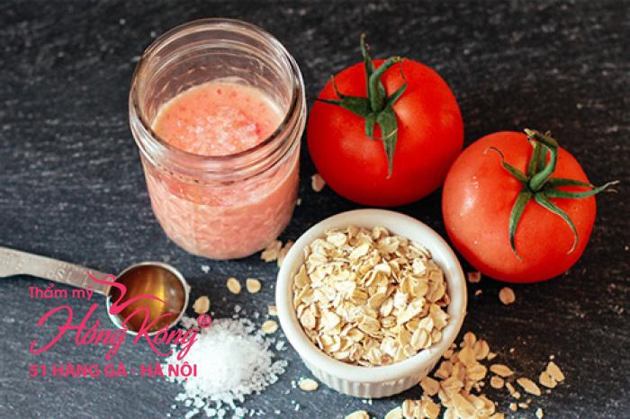 Mặt nạ bột yến mạch và nước ép cà chua cho da sáng mịn