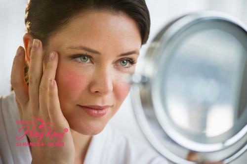 Bước sang độ tuổi 40, những nếp nhăn xuất hiện ngày càng nhiều trên gương mặt