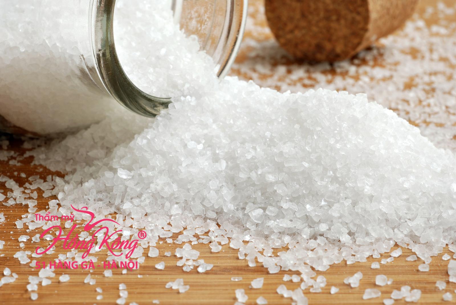 Ăn nhiều muối khiến cơ thể dễ lão hóa, khiến da mặt nhăn nheo