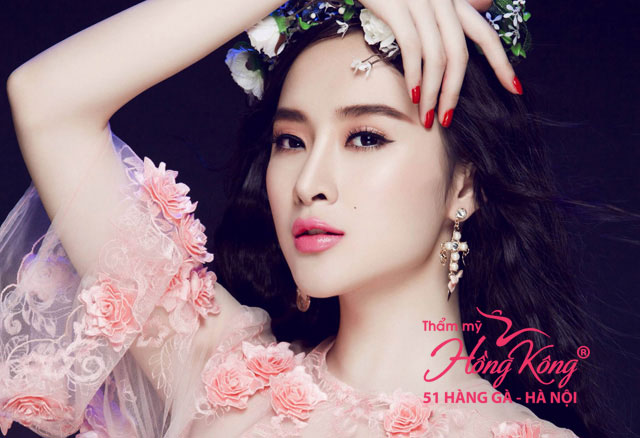 Angela Phương Trinh sở hữu khuôn mặt V-line và đôi lông mày đẹp thanh tú, tự nhiên, có lẽ cô xứng đáng là người đẹp có khuôn mày đẹp nhất làng giải trí Việt!