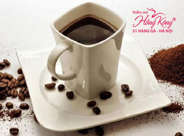 Nên uống cà phê đen, không nên thêm sữa hoặc đường