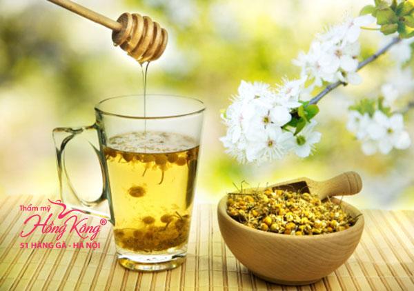 Hỗn hợp trà hoa cúc và mật ong
