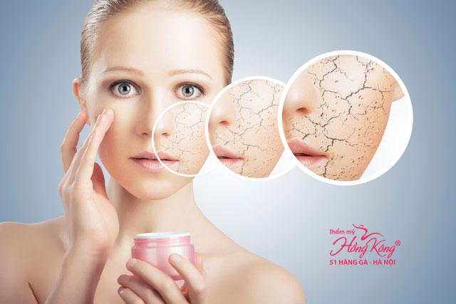 Việc không sử dụng kem dưỡng da sau khi rửa mặt sẽ khiến da khô đi