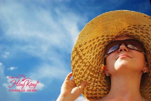 Tránh tiếp xúc trực tiếp với ánh nắng để da không bị đen sạm