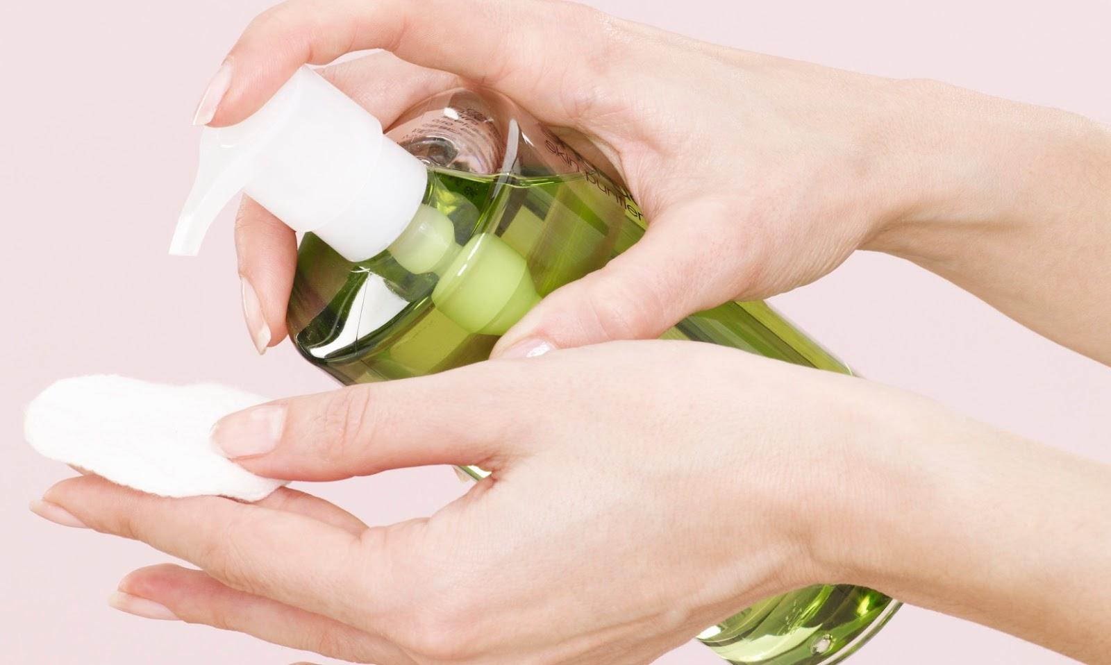 Trẻ hóa da bàn tay bằng cách sử dụng dầu oliu