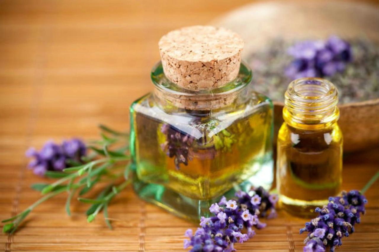 Sử dụng dầu oliu làm lônh mày mọc nhanh