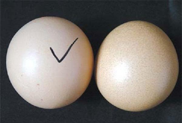 Bất ngờ với những phương pháp làm căng da mặt bằng trứng gà