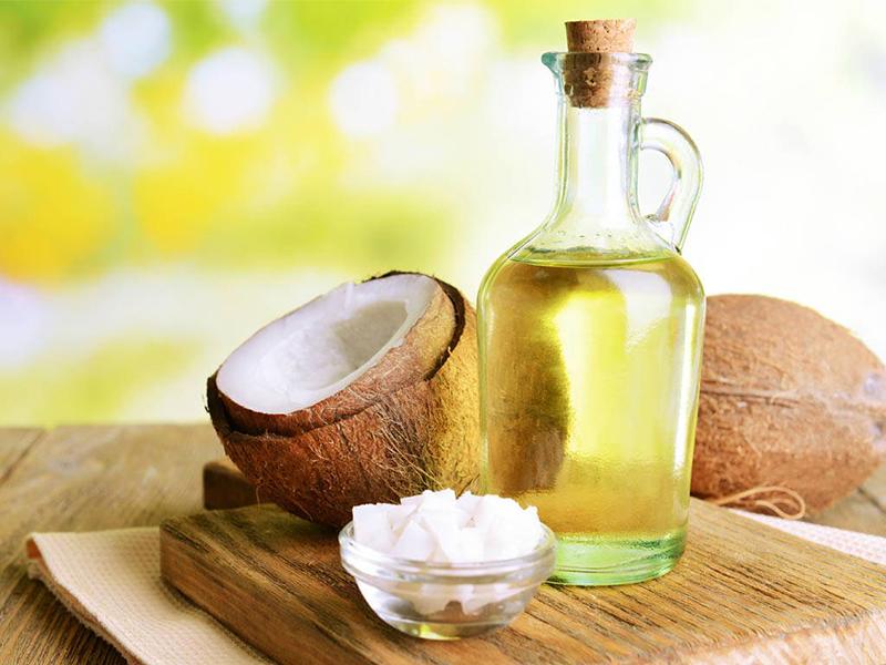 Chống lão hóa với dầu dừa nguyên chất 2 lần mỗi tuần sẽ cho bạn làn da căng mịn, hồng hào