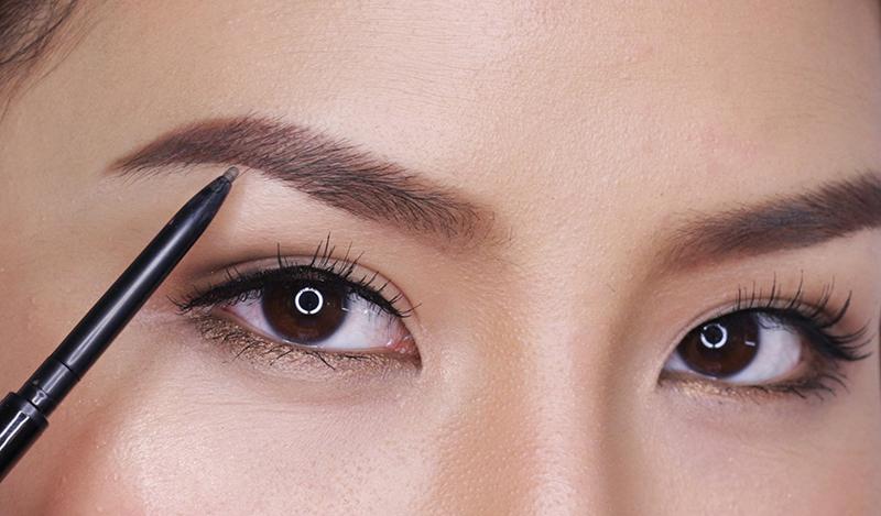 Vẽ lông mày là cách làm cho lông mày tự nhiên trở nên đẹp hơn