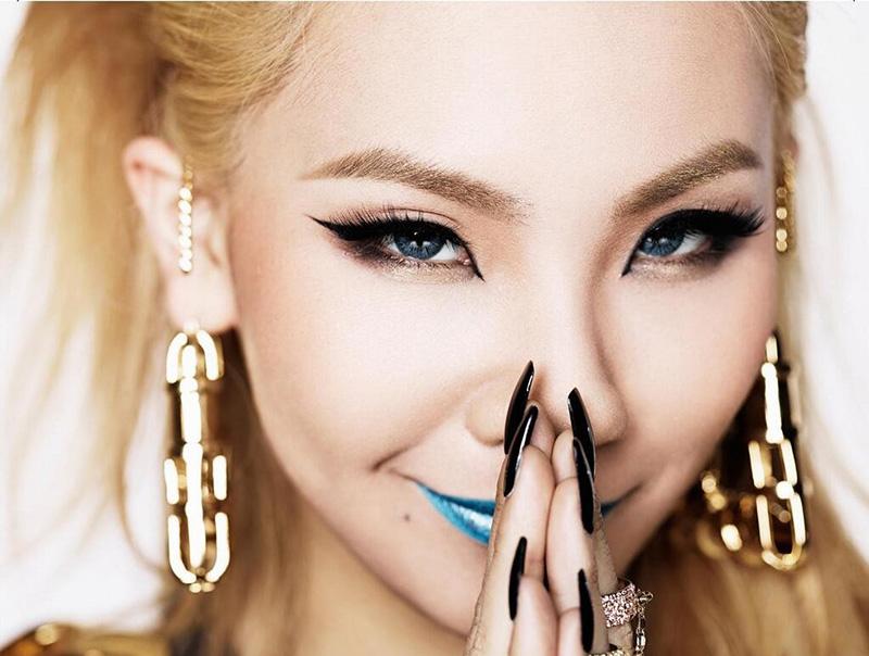 Diện mạo sắc sảo hơn nhờ lông mày vòng cung phong cách Hàn Quốc