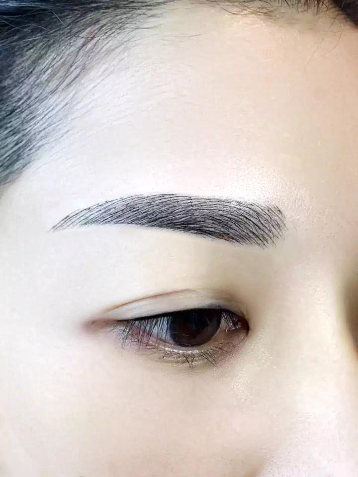 Thẩm mỹ Hồng Kông 51 Hàng Gà sẽ tạo dáng lông mày của bạn theo phong cách Hàn Quốc