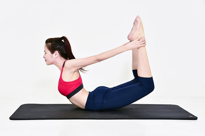 Tập yoga cũng là một biện pháp chăm sóc da bị nám