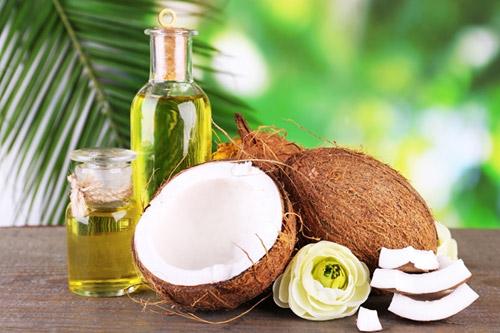 Dầu dừa có khả năng điều trị viêm nang lông khá hiệu quả