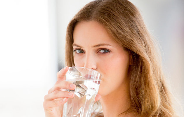 Uống nước là cách trẻ hóa làn da đơn giản nhất