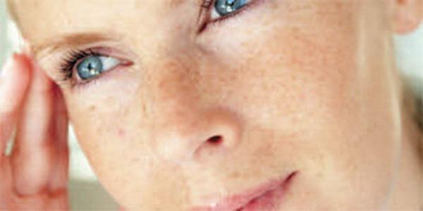 """Sử dụng công nghệ SENS-Q, các vết nám trên mặt bạn sẽ sớm """"biến mất"""""""