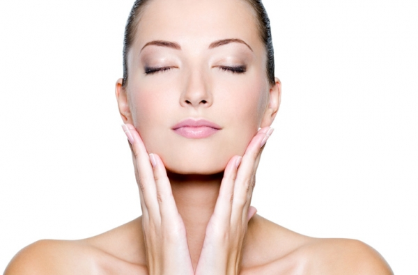 Căng da mặt ở đâu an toàn là thắc mắc chung của nhiều người.