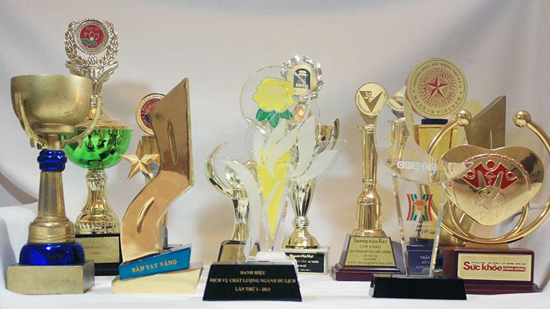 """Nhiều giải thưởng danh giá """"có mặt"""" tại thẩm mỹ Hồng Kông, 51 Hàng Gà"""