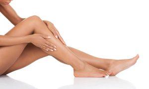 """Triệt lông chân sẽ giúp các chj em tự tin hơn khi mặc trang phục """"khoe"""" chân"""