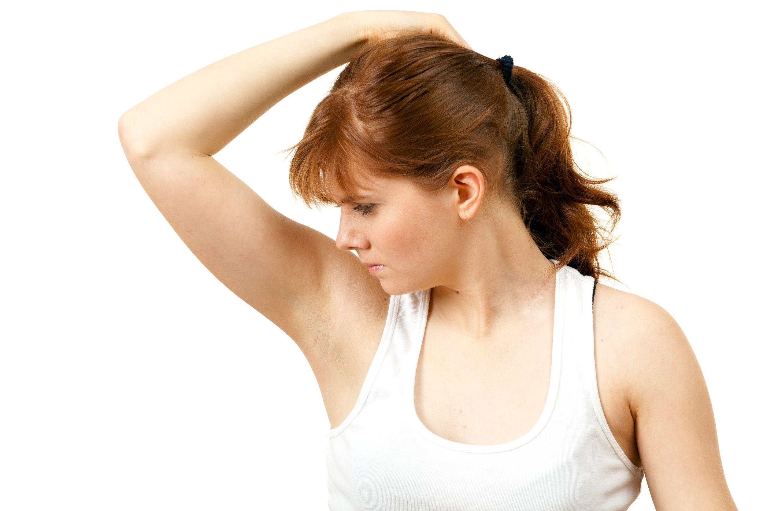 Triệt lông nách sẽ giúp bạn không còn ngại ngần mỗi khi mặc áo sát nách