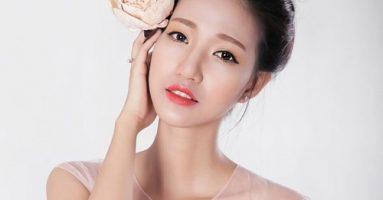 """Phun môi màu hồng cam đẹp tự nhiên: Trào lưu gây """"sốt"""" trong giới trẻ!"""