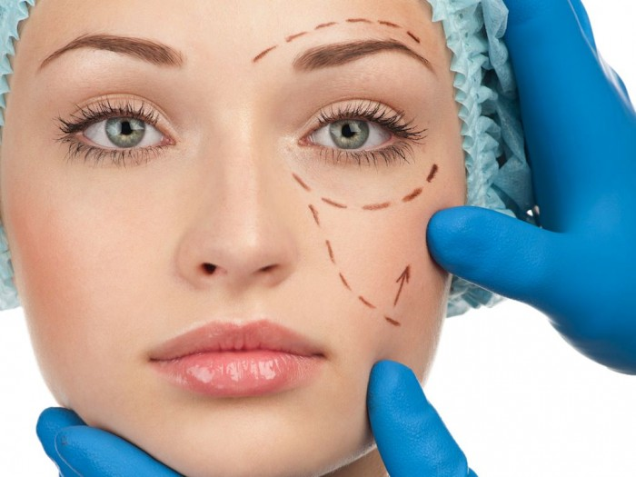 Trẻ hóa làn da bằng phương pháp phẫu thuật tiềm ẩn nhiều mối nguy hại cho nhan sắc và sức khỏe