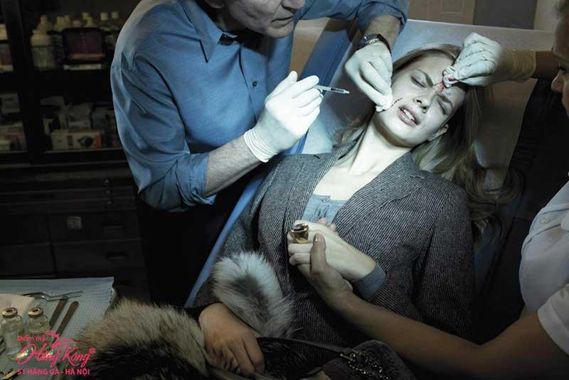Những phương pháp phẫu thuật - căng da mặt có an toàn không?