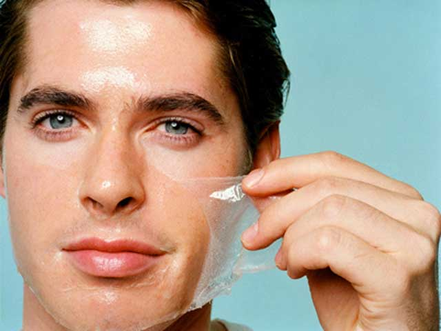 Lão hóa da ở nam giới chủ yếu là do tác động của tuổi tác, ánh nắng mặt trời