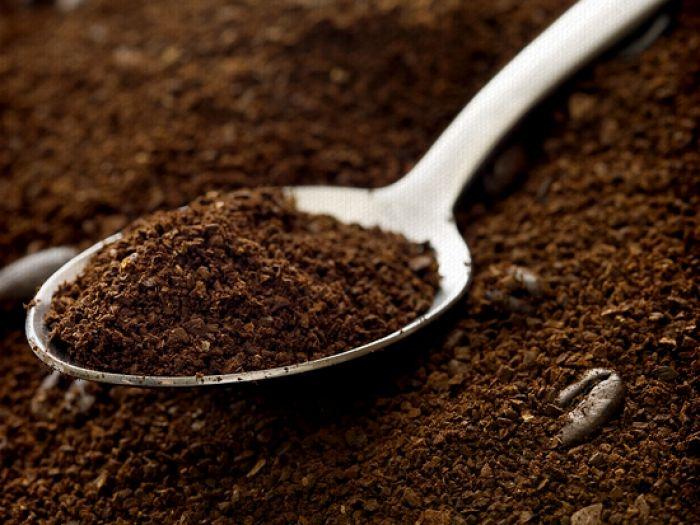 Do chứa nhiều chất chống oxy hóa nên cà phê giúp chống lại sự phá hủy của các gốc tự do trên da