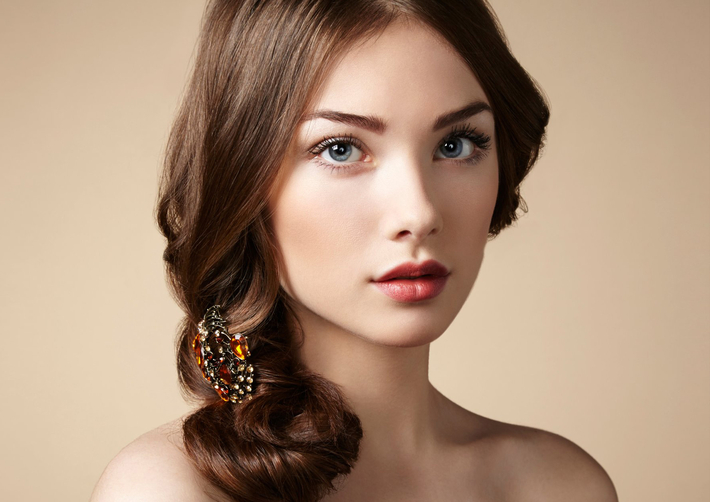 Viền mí sắc nét giúp đôi mắt có chiều sâu và đẹp hút hồn