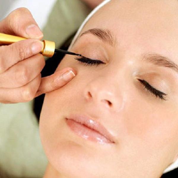 Nên lựa chọn công nghệ phun xăm viền mí mắt hiện đại sử dụng đầu kim có kích thước siêu nhỏ