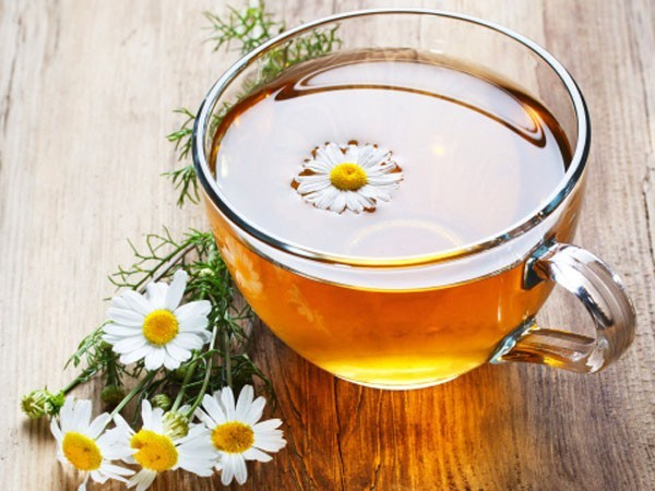 Trẻ hóa da bằng thảo dược - trà hoa cúc