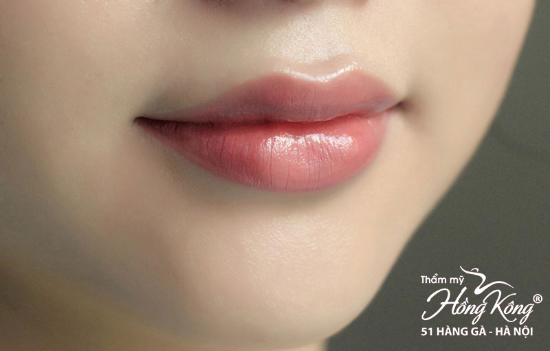 Phun môi đẹp tự nhiên hay phun môi màu hồng cam?