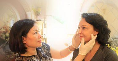 Phun mí mắt có đau không? – Giải đáp từ chuyên gia thẩm mỹ
