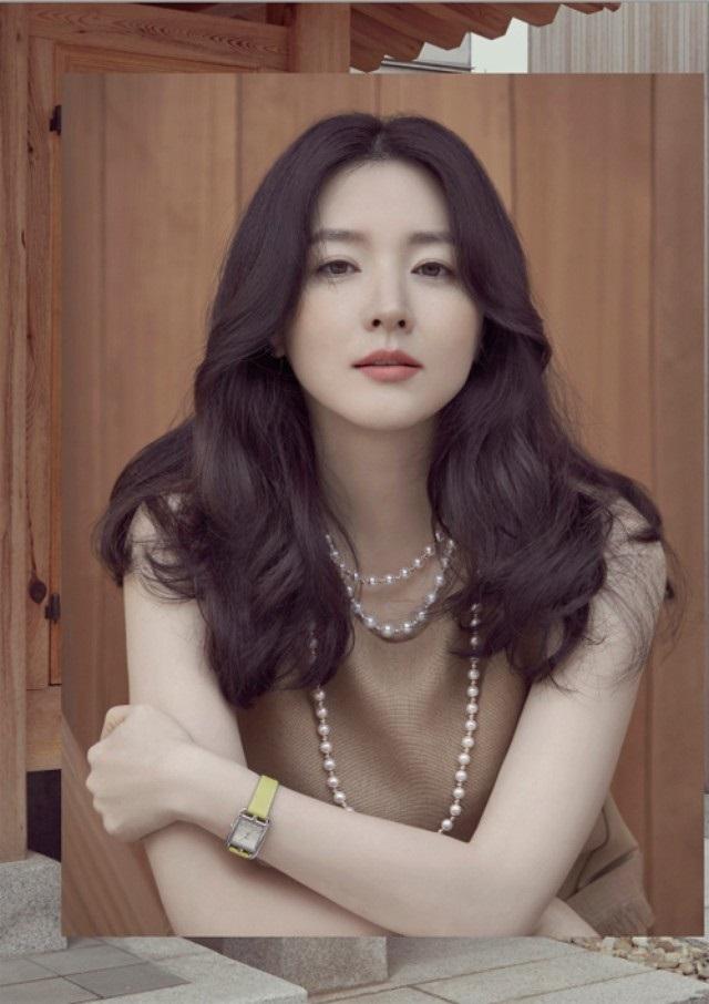 Dầu hoa trà là bí quyết làm đẹp của nữ diễn viên tài năng Lee Young Ae