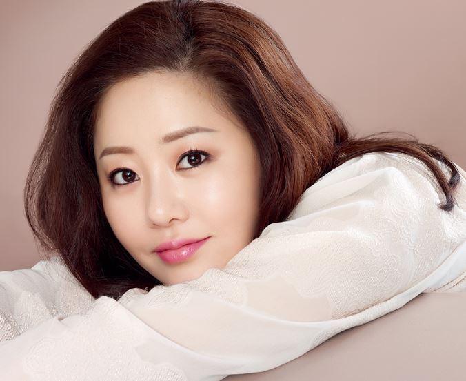 """Nhan sắc """"vạn người mê"""" của diễn viên Go Hyun Jung"""