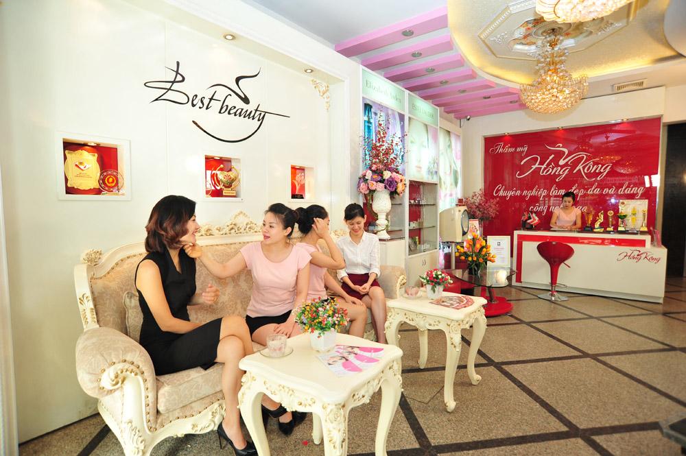 Thẩm mỹ Hồng Kông với kinh nghiệm 25 năm luôn thu hút đông đảo khách hàng tới làm đẹp