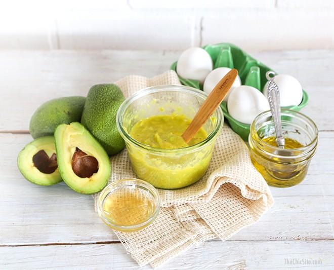 Hỗn hợp tinh dầu hạnh nhân và quả bơ căng da hiệu quả