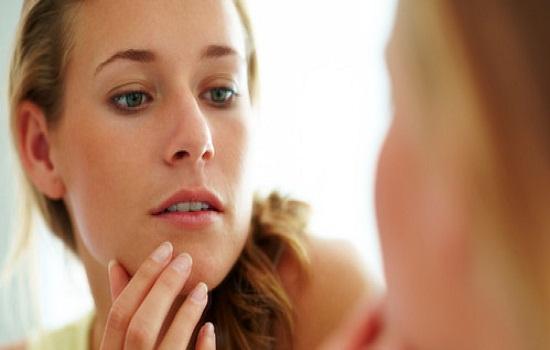 Ai rồi cũng đến lúc phải đối mặt với tình trạng lão hóa, làn da trở nên nhăn nheo và chảy xệ