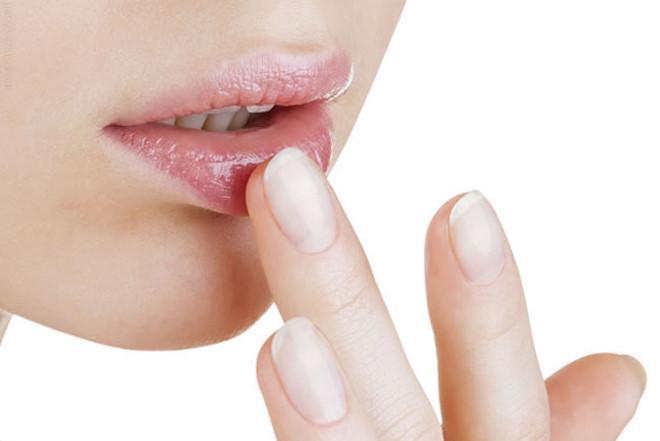 Bên cạnh vấn đề về hiệu quả, độ an toàn thì phun môi bao nhiêu tiền cũng là câu hỏi được nhiều chị em quan tâm tìm hiểu