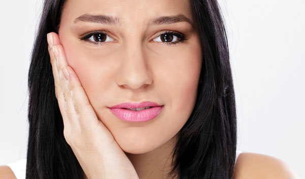 Phun môi có đau không, có bị sưng không là băn khoăn lo lắng của rất nhiều người