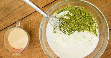 5 công thức trị mụn trên lưng hiệu quả bất ngờ từ bột trà xanh