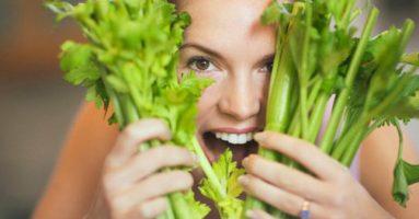 Phát hiện mới: Cách điều trị mụn đầu đen bằng các loại rau thơm