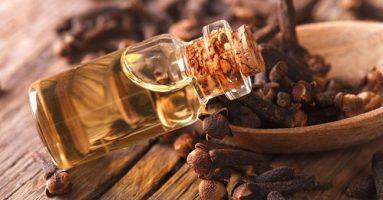 Cách trị mụn nhanh nhất tại nhà bằng 5 loại tinh dầu tự nhiên