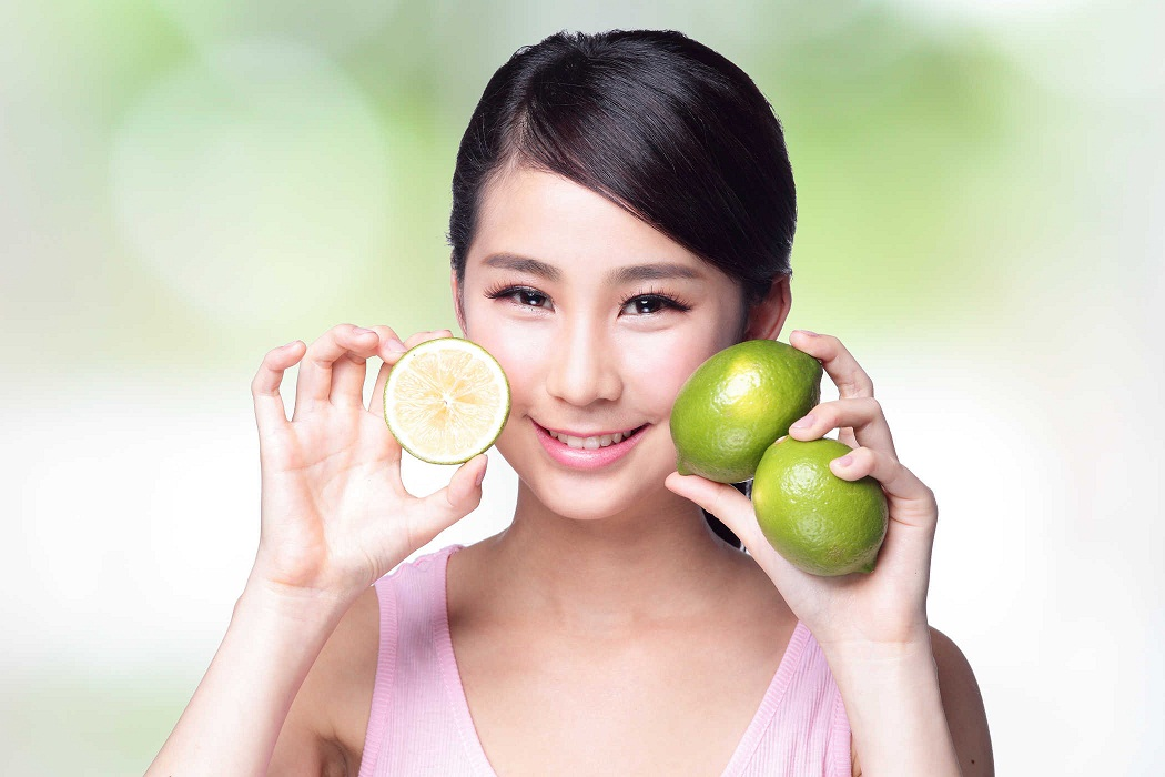 vitamin-c-kali-magie-co-trong-nuoc-cot-chanh-giup-lam-mo-vet-nam-va-xoa-nep-nhan-rat-tot