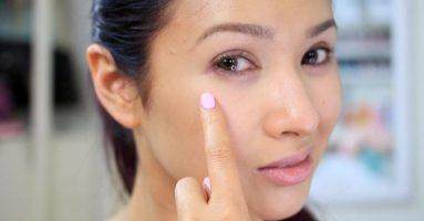 Phun mí mắt trên bị sưng đau có gây nguy hiểm không ?